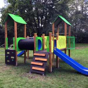 Drewniane place zabaw PZD-14 certyfikowane place zabaw domek ze zjeżdżalnią